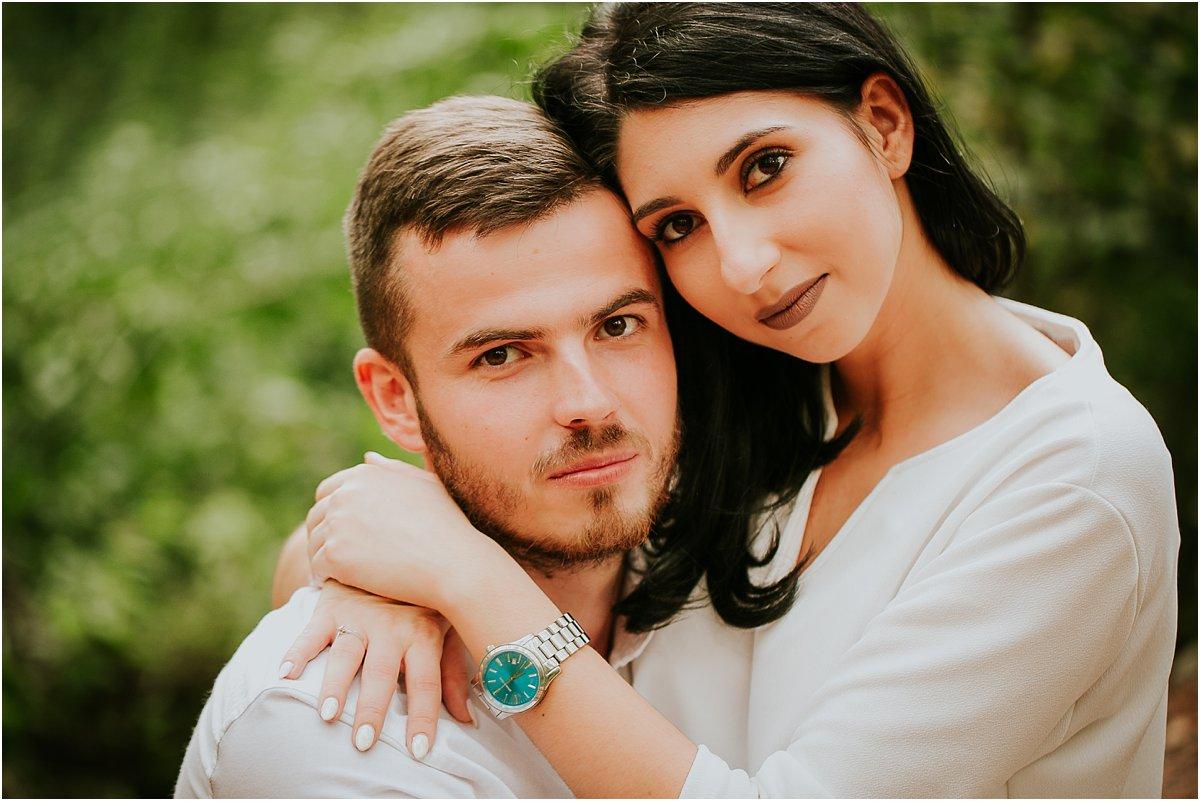 Sesja narzeczeńska w lesie, fotograf Piaseczno, zdjęcia z sesji narzeczeńskiej, pomysły na sesję narzeczeńską, fotografia ślubna, fotograf ślubny