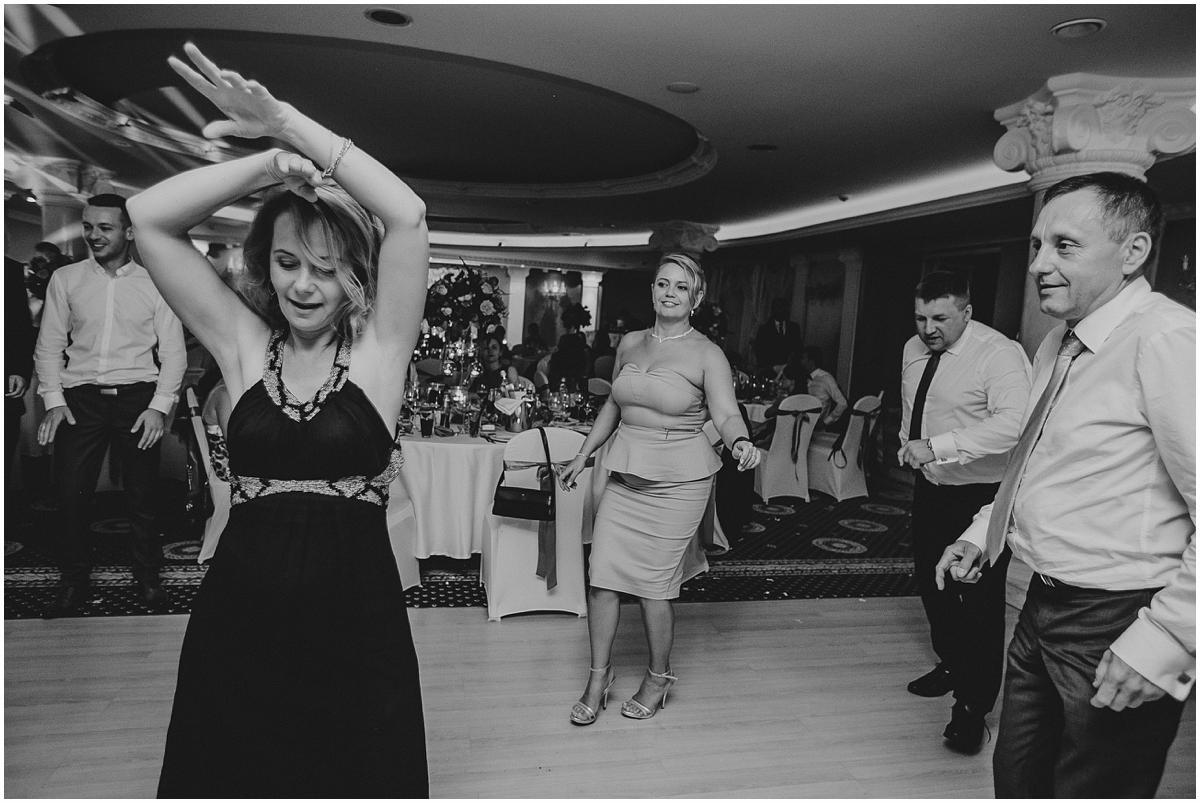 Hotel Windsor, slub w warszawie, slub zegrze, slub klasyczny, slub z klasa, wesele z klasa, wesele w warszawie, fotografia slubna warszawa, hotel windsor, wesele w hotelu windsor, fotogtaf wesele, makeup slubny chelmonska